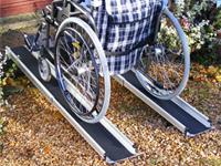 Přenosné zasouvací nájezdy pro invalidní vozíky